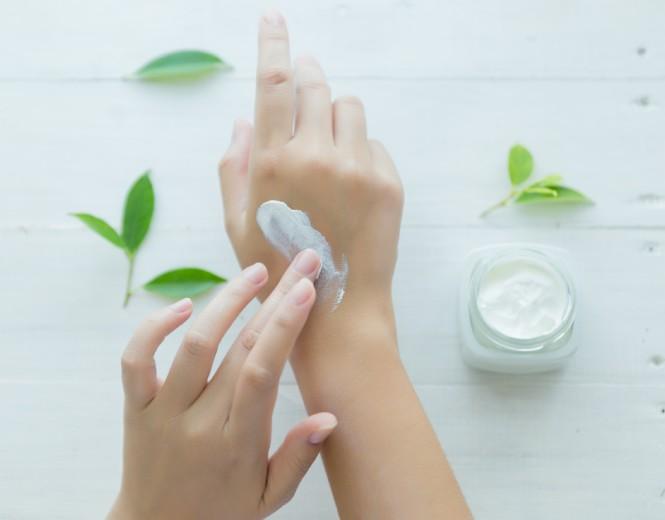 استفاده آرایشی بهداشتی از کرم زینک اکساید (اوکسید دوزنک)